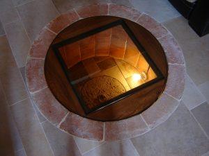 Struttura calpestabile in vetro e ferro